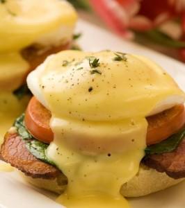 Завтрак,яйца бенедикт
