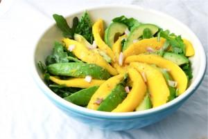 салат из манго и авокадо, салат с авокадо и манго