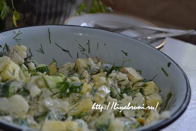 салат с капустой и ананасами