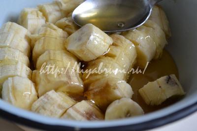 пирог с бананами и яблоками