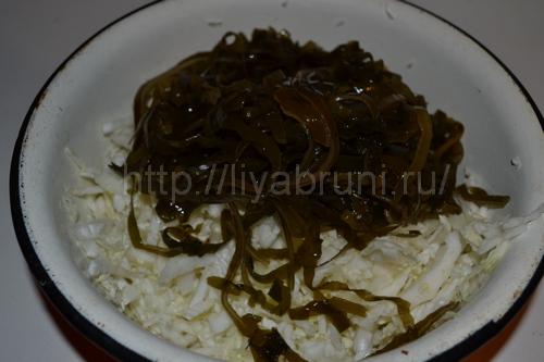 салат из пекинской и  морской капусты