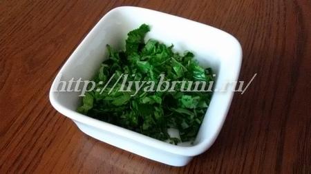 Простой и вкусный салат из капусты